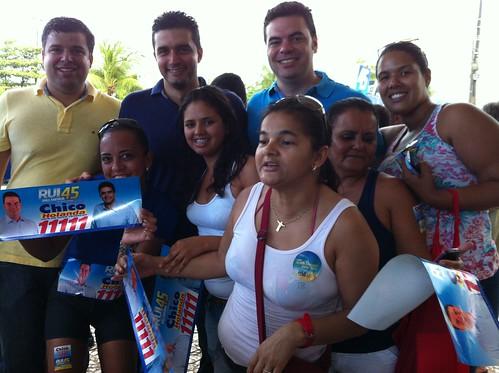 15.7.2012-adesivaço com Rui-praia de pajuçara-Chico_Rui_Marcelo