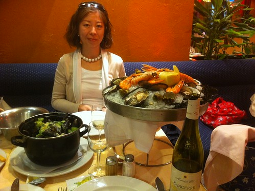 Seafood dinner at Rue des Bouchers in Brussels