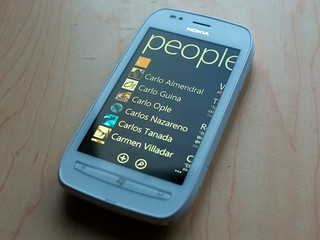 Nokia Lumia 710 People Screen