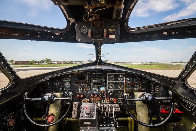 17 flying fortress cockpit flickr photo sharing