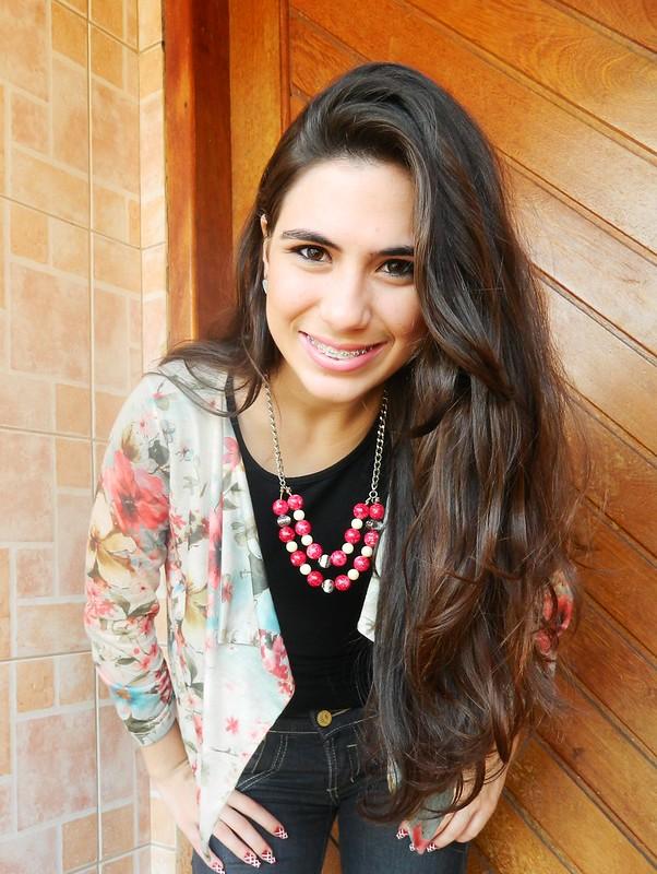 juliana leite look maxi colar vermelho melissa jeans 058