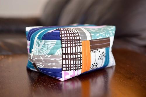 echo boxy pouch