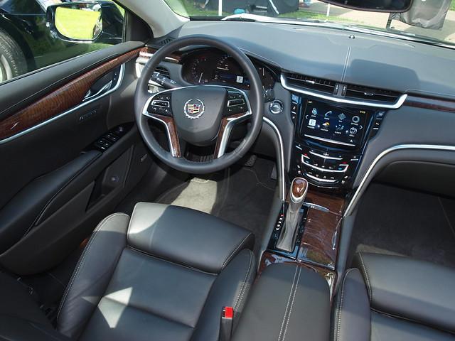 2013 Cadillac XTS 9
