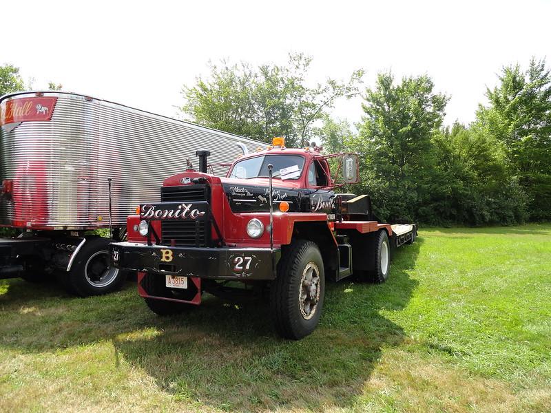 Antique Tractor Trailers : Antique tractor trailer truck show pics hudson ma