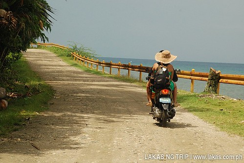 "With <a href=""http://www.dazzlingdazzle.com"" target=""_blank"" rel=""nofollow"">Dazzling Dazzle</a> going around Romblon on motorcycle"