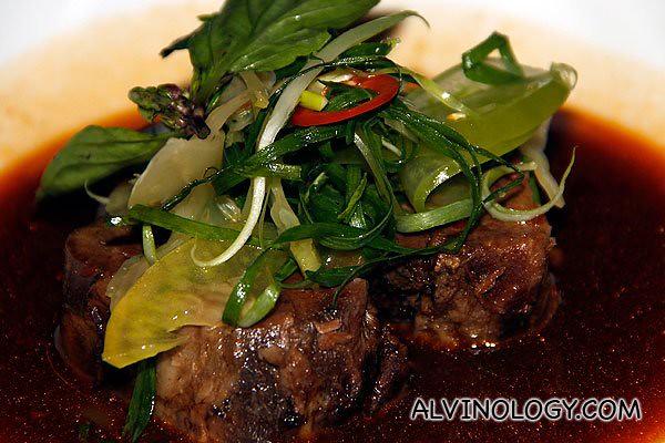 Braised Wagyu beef shin, Taiwanese style, green tomatoes, thai basil (AUD$25)