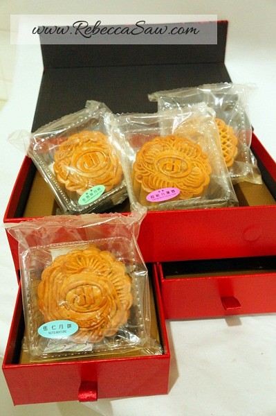 Hilton Toh Yuen & Mooncakes-041