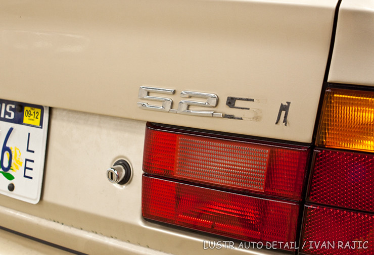 95 BMW 525i badge partially removed