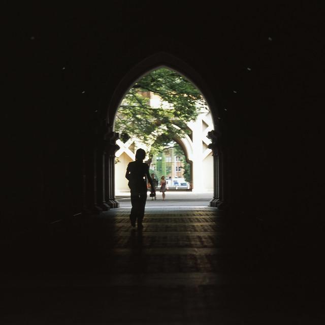 アーチ型の通路