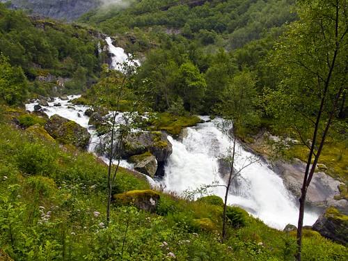 226 Hacia el glaciar Briksdal