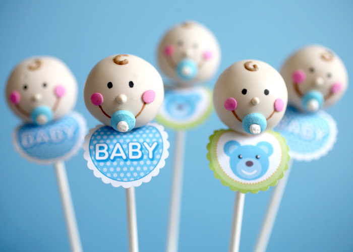 Baby bibs. Eeeeek! I may never be able to make baby cake pops without ...
