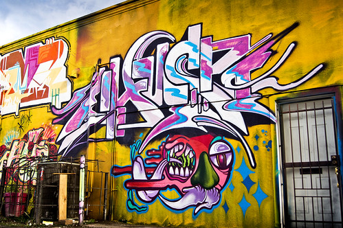 Chus @ Graffalot | Houston Graffiti 2012
