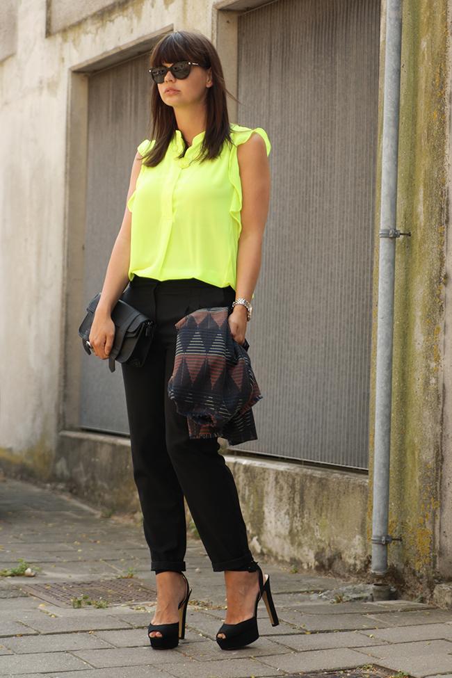blouseneon11