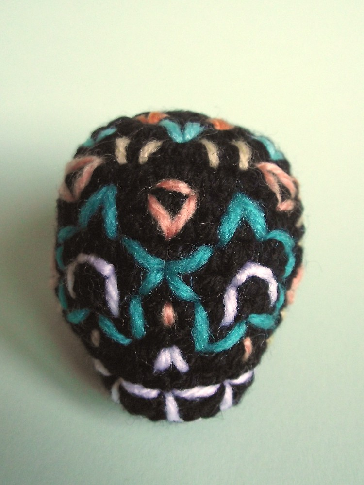 Sugar Candy Skull Crochet Pattern | Squirrel Picnic | 1000x750