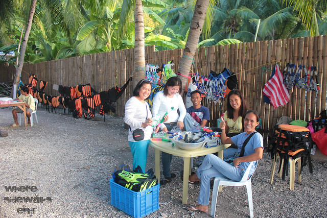 Whale Sharks swimming gear for rent in Oslob