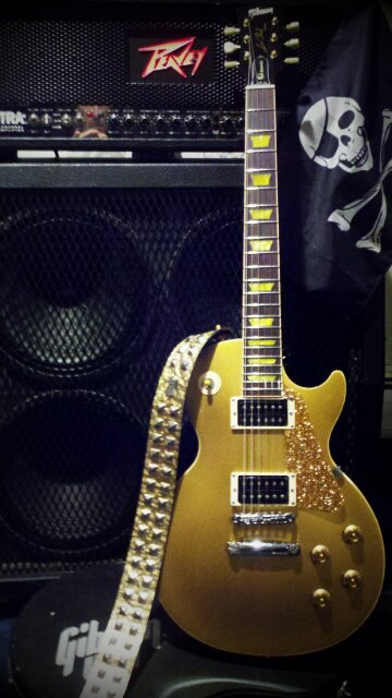 Photo:Gibson Guitars  11 By Larry Ziffle