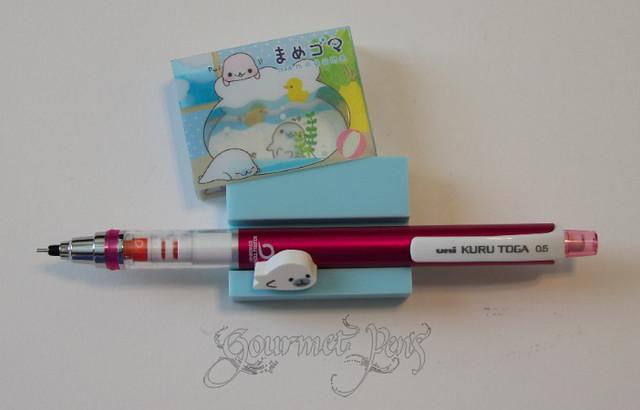 Mamegoma Eraser + Uni-ball Kuru Toga