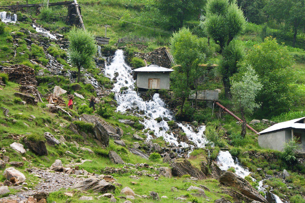 """MJC Summer 2012 Excursion to Neelum Valley with the great """"LIBRA"""" and Co - 7589195210 321283cbf3 b"""