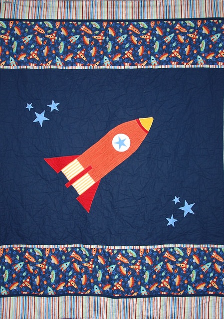 Space rocket quilt flickr photo sharing for Spaceship quilt