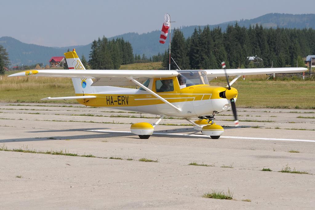 Fly-in @ Floreni - Mitingul cailor putere - Poze 7677971026_e5c001642d_o