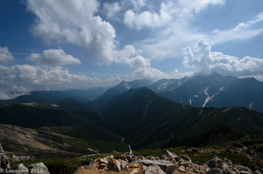 20120728 槍ヶ岳を臨む