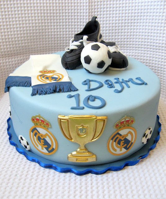 Real madrid cake ideas car interior design - Real madrid decorations ...