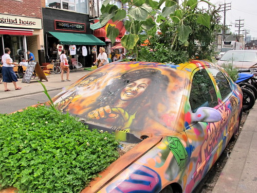 Garden car graffiti