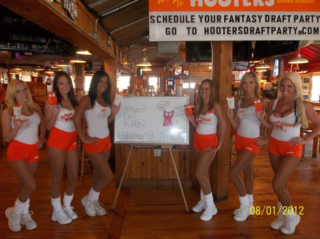 Hooters Restaurant Cincinnati Ohio