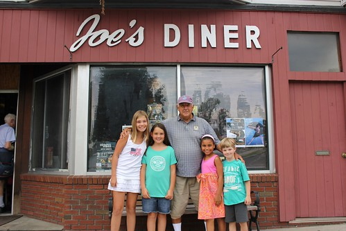 kids with joe