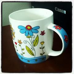 serveware, cup, drinkware, tableware, coffee cup, mug, ceramic, porcelain,