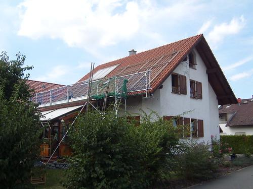 Haus mit abgebauter PV Anlage