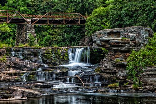 longexposure waterfall motionblur honesdale wayencounty tannersfalls pennsylvaniawaterfall
