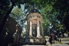 Bucharest - Bellu Cemetery - Unlabeled Monument