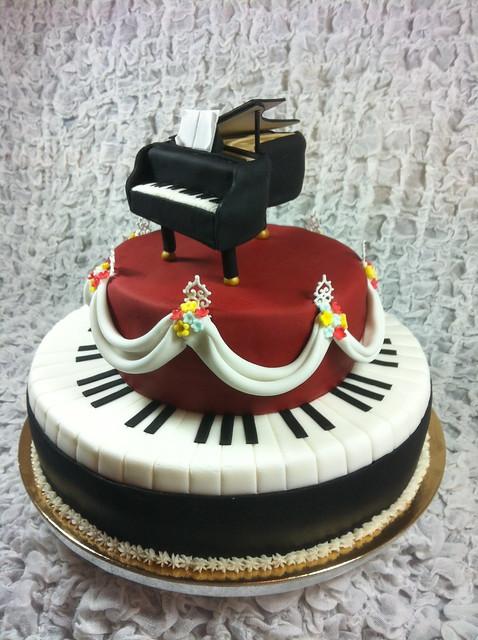 Designes For Key Board Or Piano Birthday Cakes