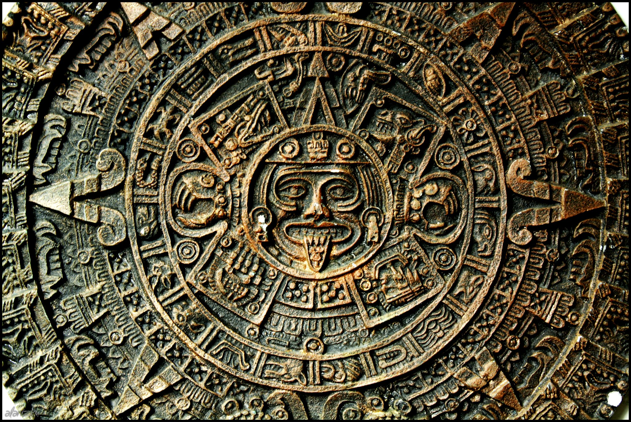 Aztec Calandar Sun Stone | Flickr - 1914.4KB