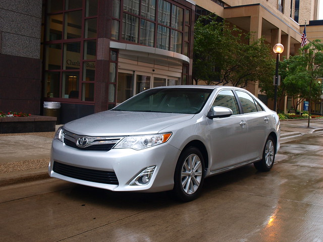 2012 Toyota Camry XLE 13