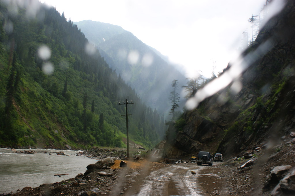 """MJC Summer 2012 Excursion to Neelum Valley with the great """"LIBRA"""" and Co - 7635686502 a49866fae0 b"""