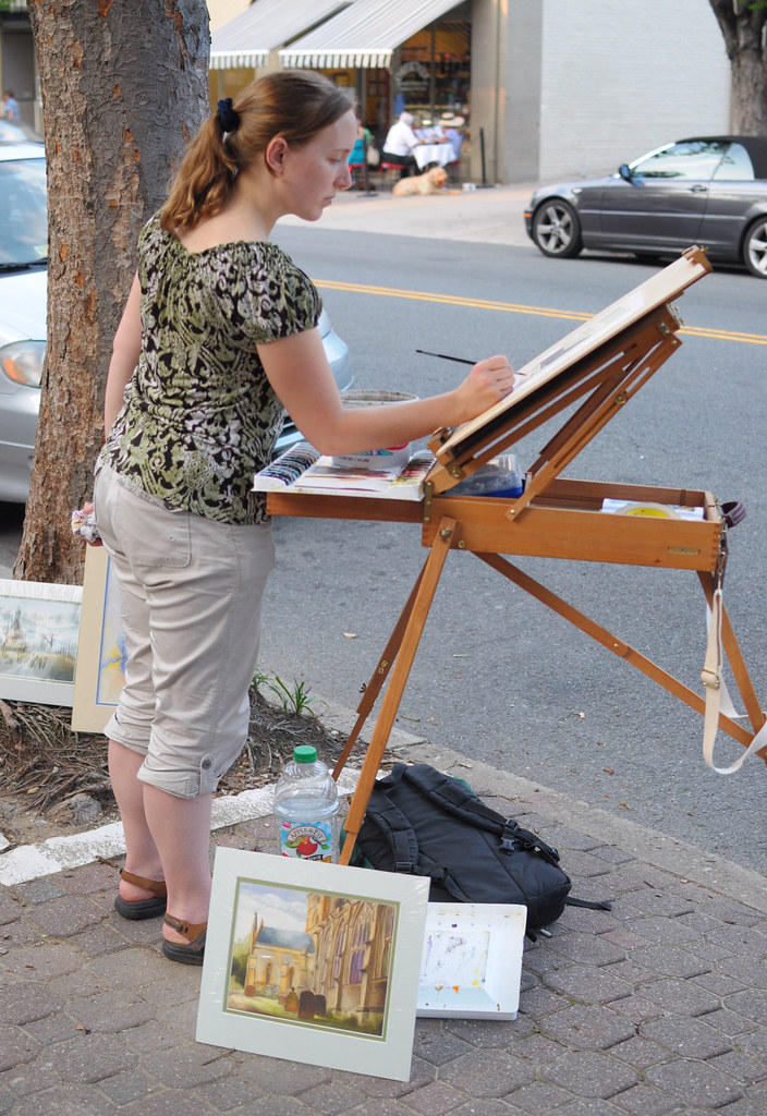 Art Walk on the Avenue