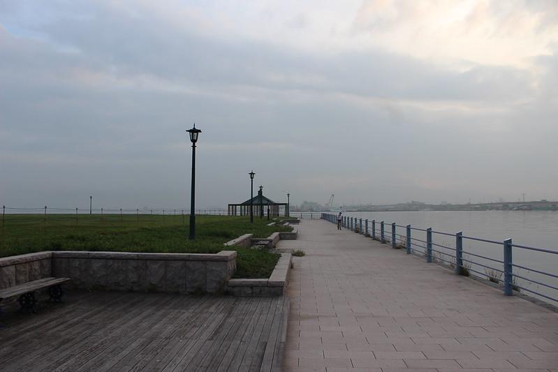 朝から散歩