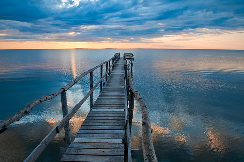 Lake Winnipeg Sunrise by petetaylor