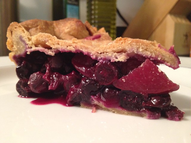 blueberry nectraine pie