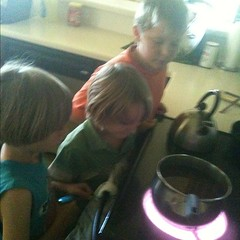 More #homeschool in the kitchen- cooking Pinto beans= RADIANT energy & Conduction - boiling= Convection #hsmommas