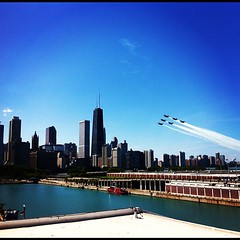 Into the blue. #chicago #blueangels #navy #skyline