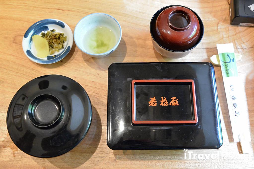 《柳川美食餐厅》若松屋蒸笼鳗鱼饭:柳川游船后的必吃美食。