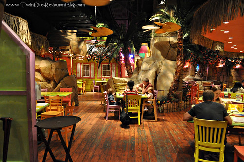 Dining Area at Kokomo's Island Cafe ~ Mall of America, MN
