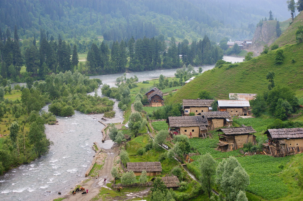 """MJC Summer 2012 Excursion to Neelum Valley with the great """"LIBRA"""" and Co - 7596393984 abdc7a0cdd b"""
