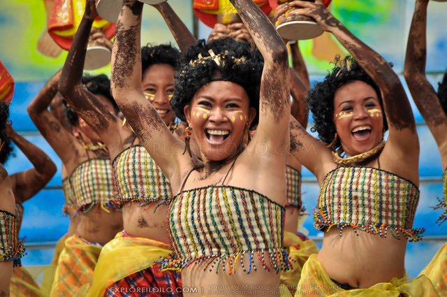 Dinagyang 2011 - Ati Competition - Tribu Paghidaet (646)