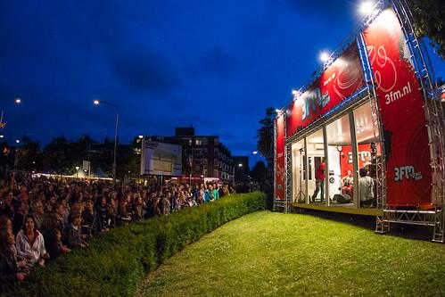 Toeschouwers voor Will And The People in Nijmegen