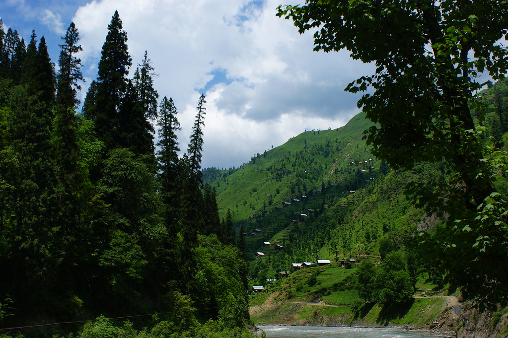 "MJC Summer 2012 Excursion to Neelum Valley with the great ""LIBRA"" and Co - 7608980260 10489b43b3 b"