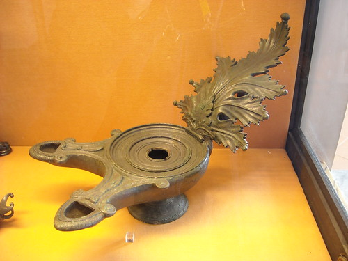 Bronze Oil-Lamp from Pompeii (79 AD) - Naples, Archaeological Museum
